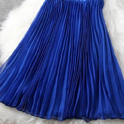 Blue embroidery v-neck pleated wais..