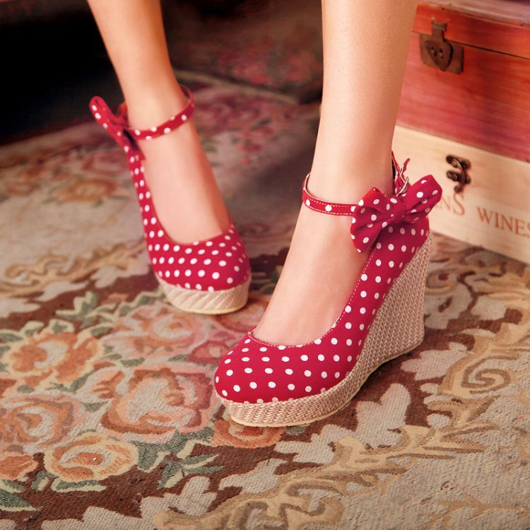 c8924c23b2a0 Adorable Polka Dots And Bow Design Red Wedge Shoes on Luulla