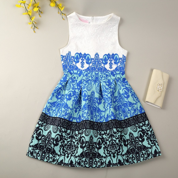 2015 small pure and fresh and sleeveless vest dress